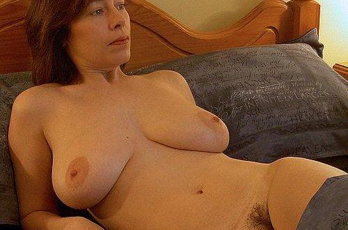 Je suis nue au lit