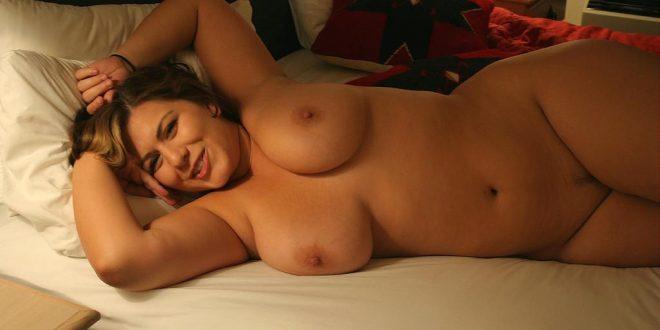 coquine et nue dans mon lit
