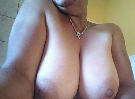 Photo topless de mes gros seins
