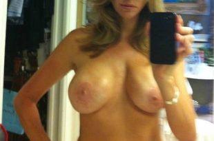 Moi topless gros seins