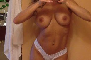 Mon corps sexy et mes seins