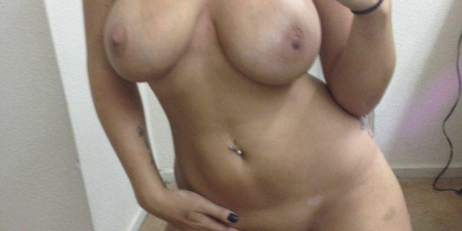 Très sexy et nue