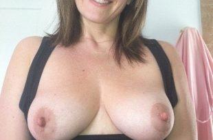 Mes seins à l'air sexy